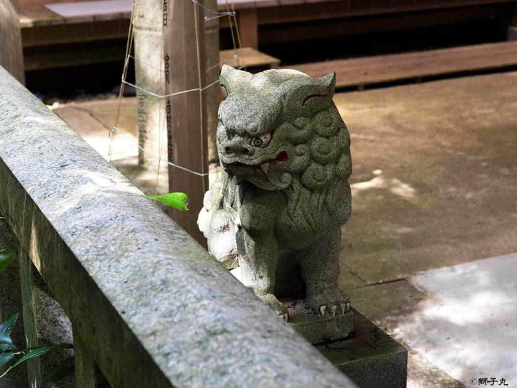 白山神社 岐阜県中津川市下野 拝殿前狛犬吽形