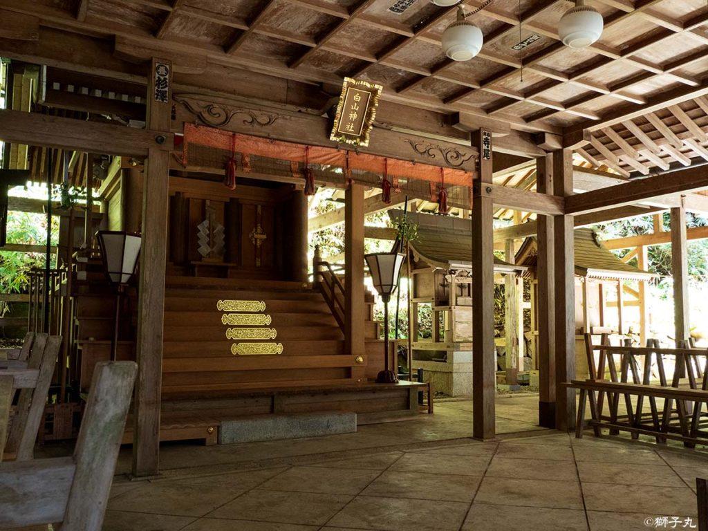 白山神社 岐阜県中津川市下野 拝殿より本殿を望む