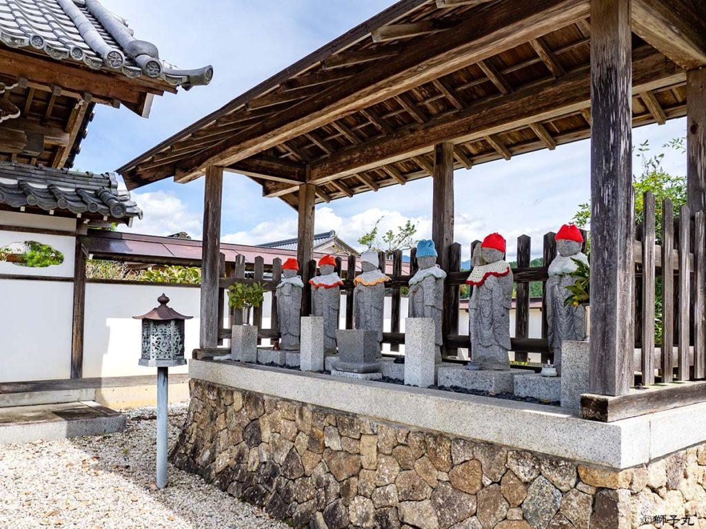 良雪山 法界寺 山門横 六地蔵