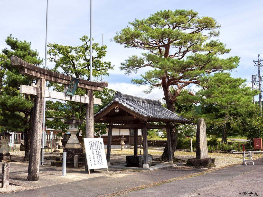 日本三大庚申堂 下野庚申堂 鳥居と手水舎