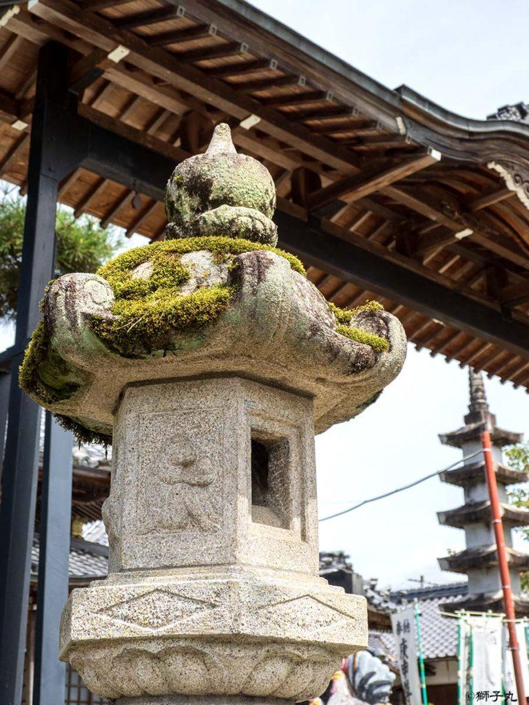 日本三大庚申堂 下野庚申堂 石灯籠