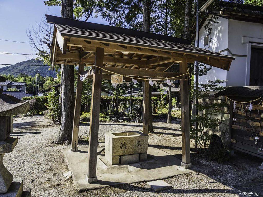 五宮神社(長野県木曽郡南木曽町) 手水舎