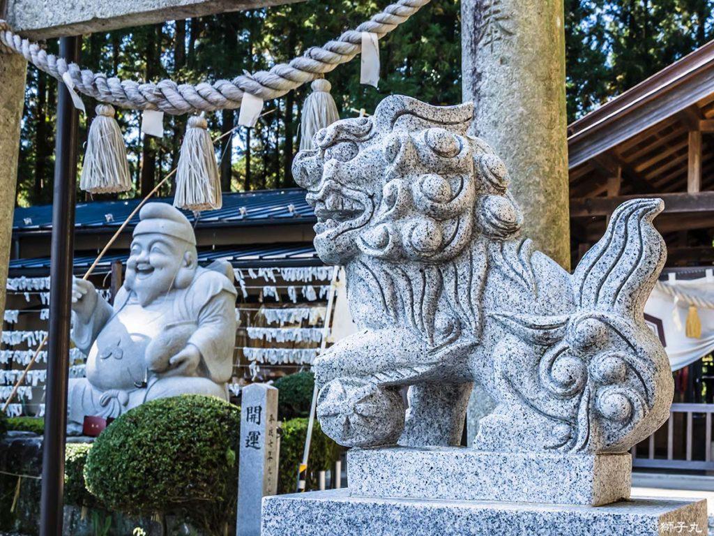 出雲福徳神社 狛犬(阿形)