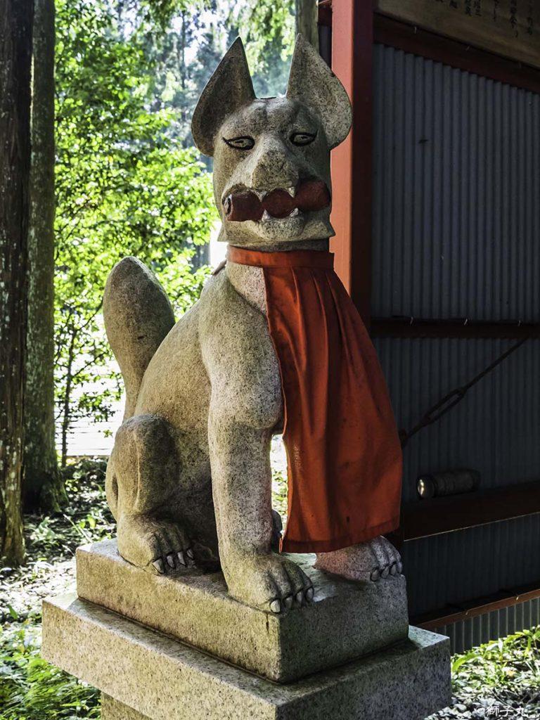 中山稲荷神社(岐阜県中津川市) 狛狐