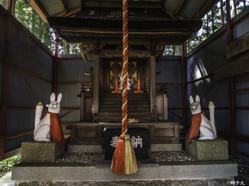 中山稲荷神社(岐阜県中津川市) 拝殿・本殿