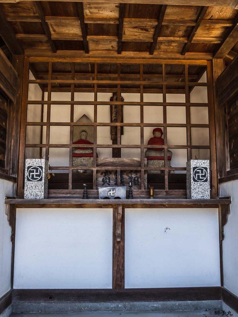 坂本神社八幡宮 参道脇の与ヶ根弘法堂