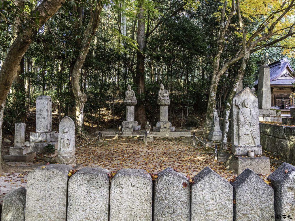 大明山 龍護寺 如意輪観音菩薩像と石仏