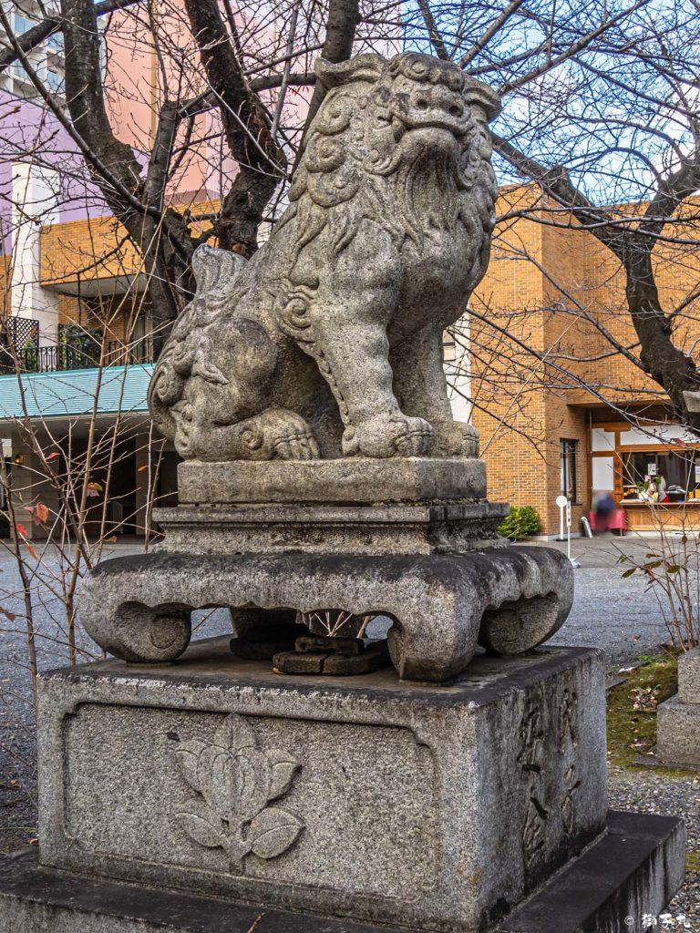若宮八幡社(名古屋市中区) 南中央狛犬(吽形)