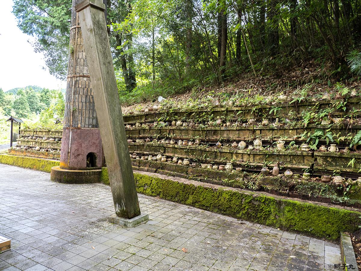 世界一の茶つぼ「豊穣の壺」 向側